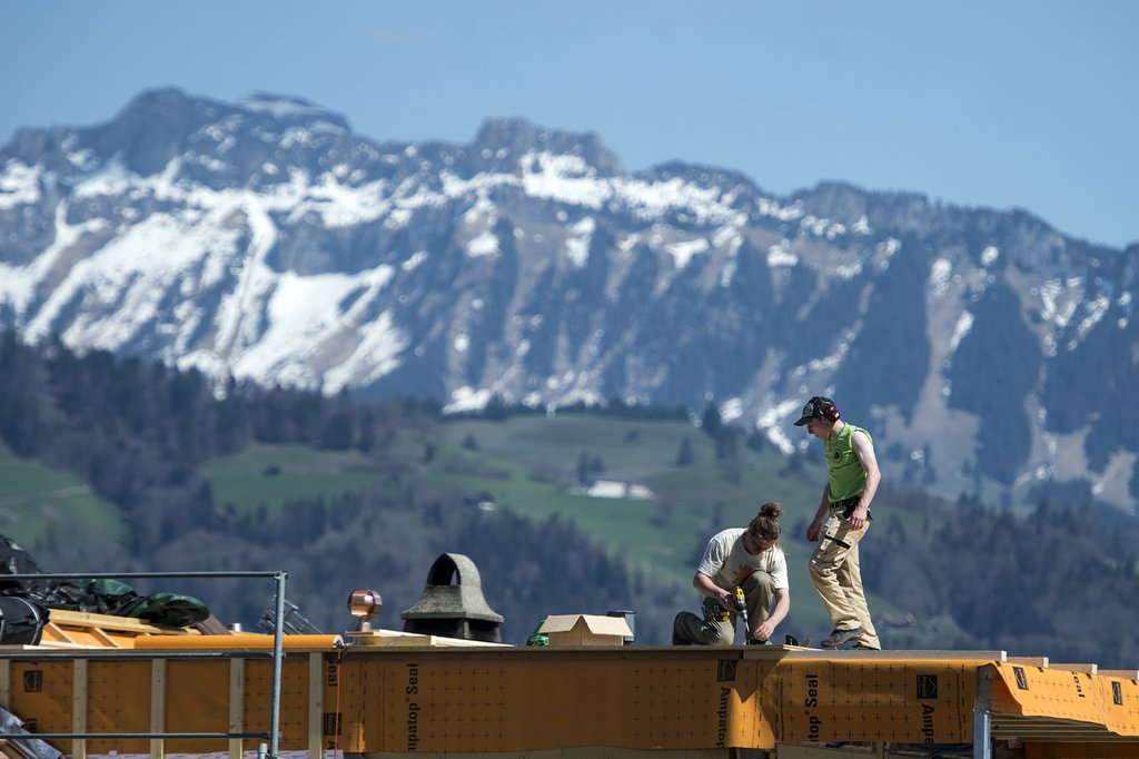 The report shows how Switzerland's greenhouse gas emissions have developed between 1990 and 2018. (Photo: Keystone-SDA)